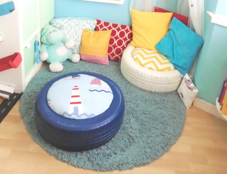Top down image of tyre seating in the reading nook