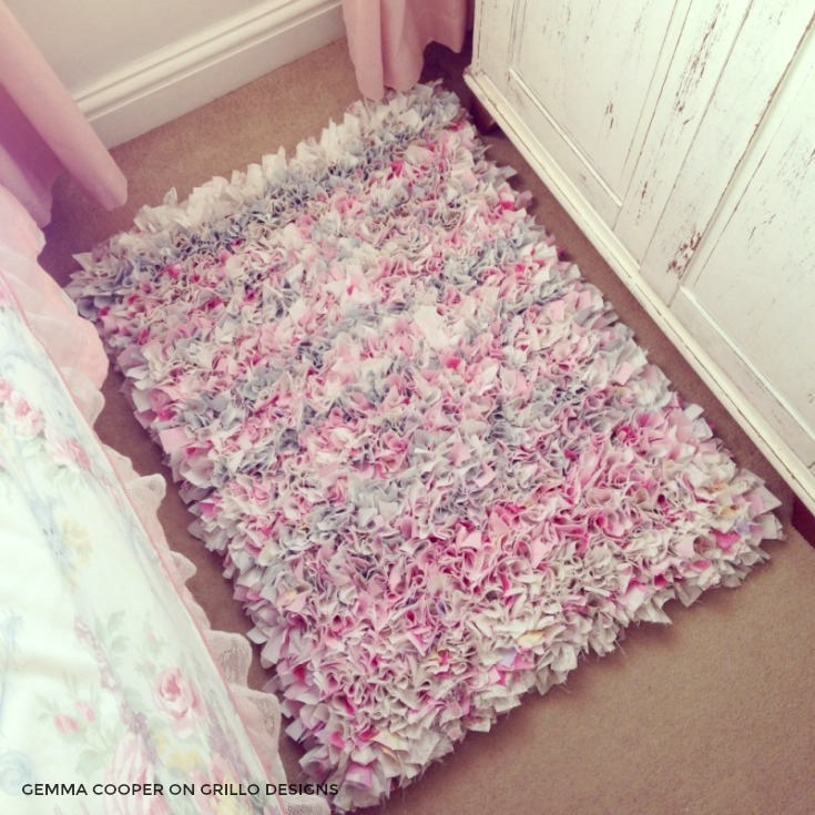 Diy rag rug - gorgeous room decor /grillo designs www.grillo-designs.com