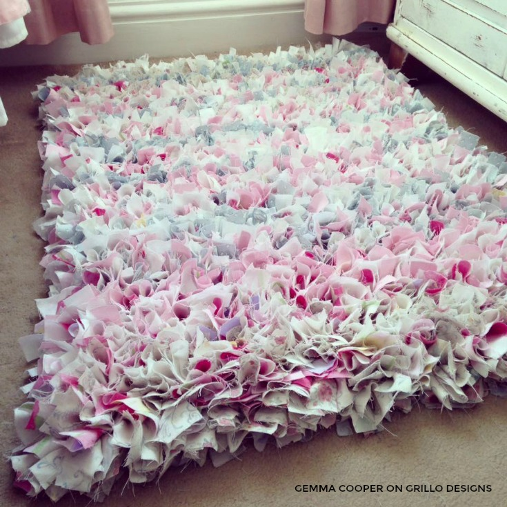 Rag rug idea for a girls bedroom /grillo designs www.grillo-designs.com