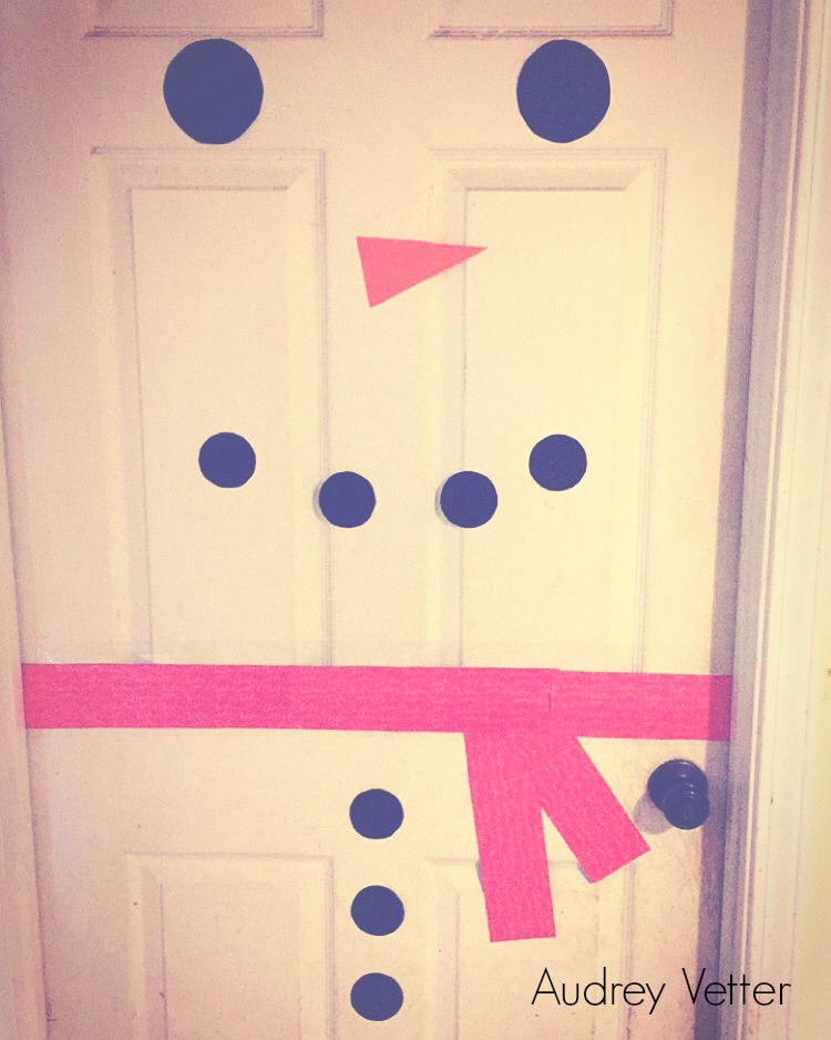 Creative Door Snowman Project / DIY Snowman Decorations / Grillo Designs www.grillo-designs.com