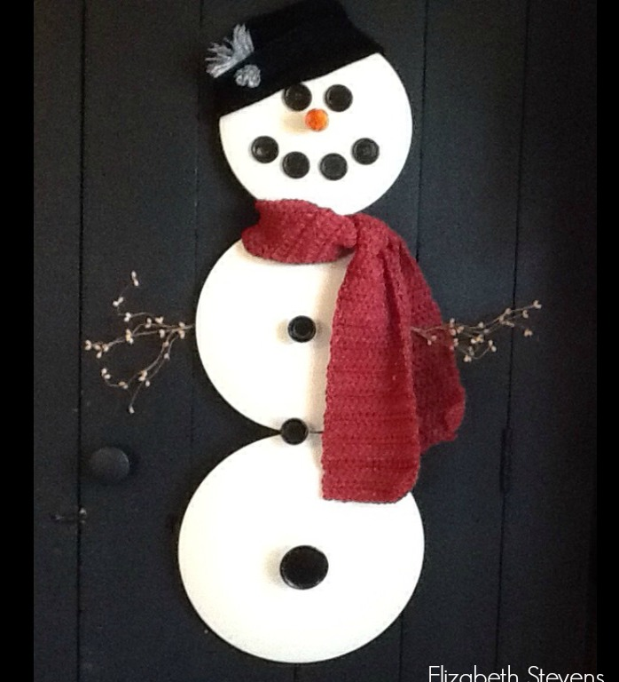 DIY Pan Lid Snowman / DIY Snowman Decorations / Grillo Designs www.grillo-designs.com