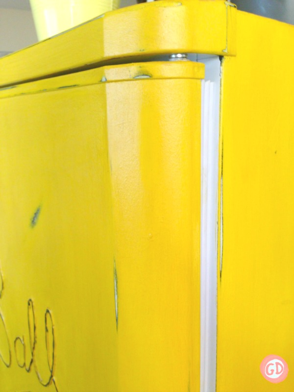 DIY-PAINTED-FRIDGE