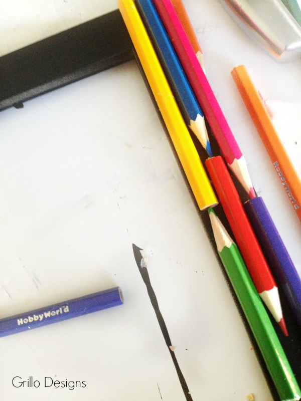 DIY PENCIL PICTURE FRAME