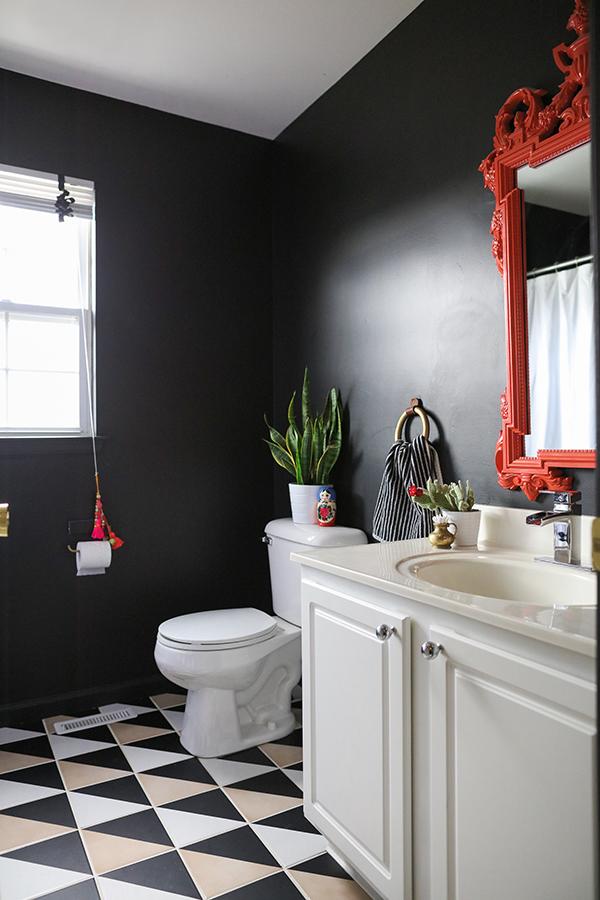 black_bathroom_Cuckoo4Design-AlisonConklin (1)