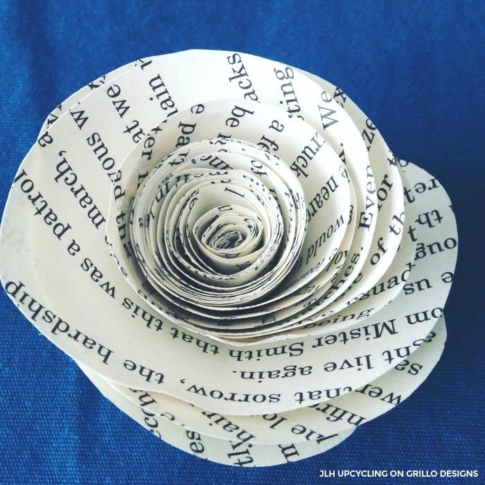 make pretty book page roses / Grillo Designs www.grillo-designs.com