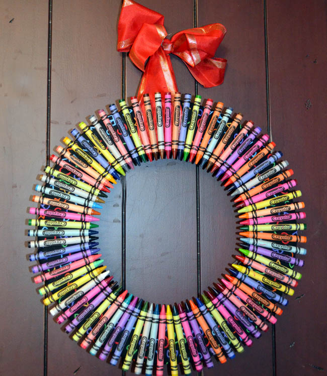 30-upcycled-christmas-wreaths-apieceofrainbowblog-3b