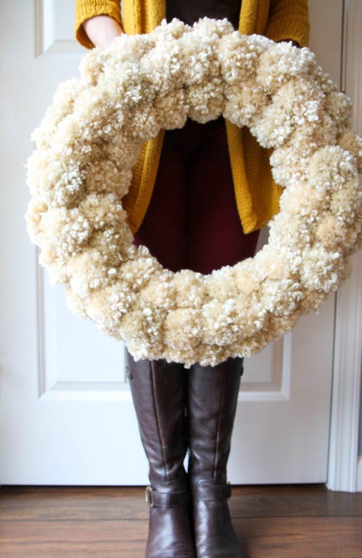 how-to-make-a-yarn-pom-pom-wreath-4