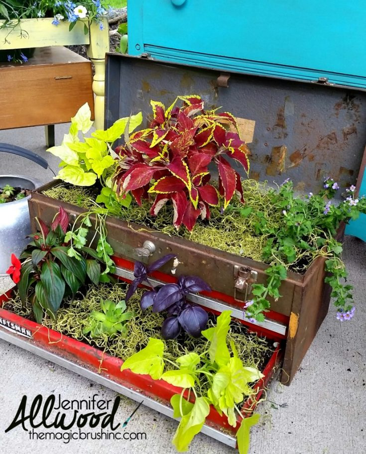 23 repurposed upcycled planter ideas grillo designs. Black Bedroom Furniture Sets. Home Design Ideas