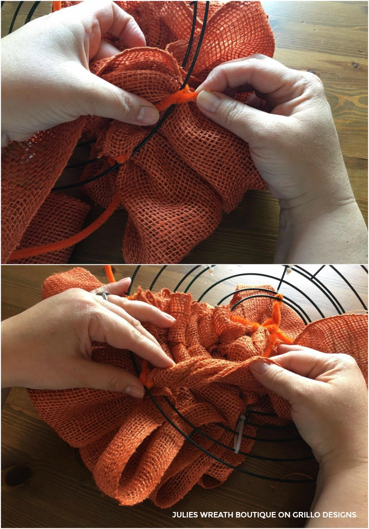 Make a burlap pumpkin wreath for fall /Grillo Designs www.grillo-designs.com