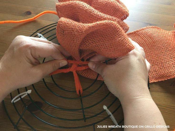 pumpkin-wreath-tutorial-9