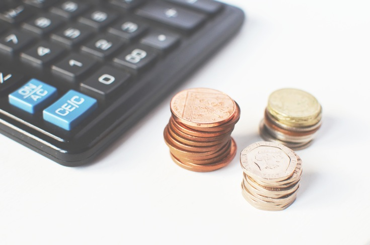 A great moving house tip is to calculate your moving finances / Grillo Designs www.grillo-designs.com