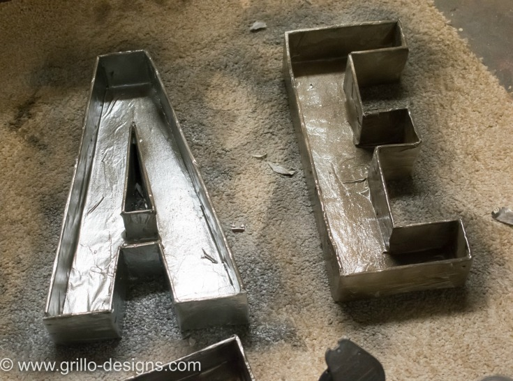 DIY FAUX METAL LETTERS PROJECT FOR YOUR WALL / WWW.GRILLO-DESIGNS.COM