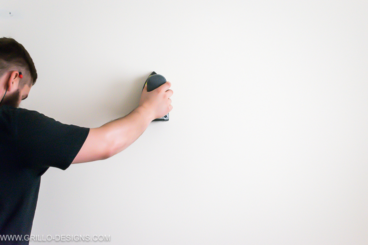 Sanding before painting a chalk board wall (blackboard wall)/ grillo designs www.grillo-designs.com