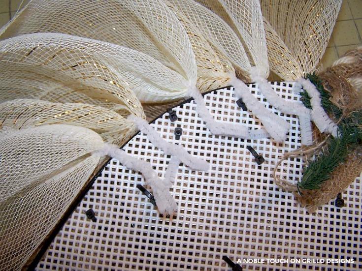 diy tutorial for horse head wreath/ Grillo Designs www.grillo-designs.com