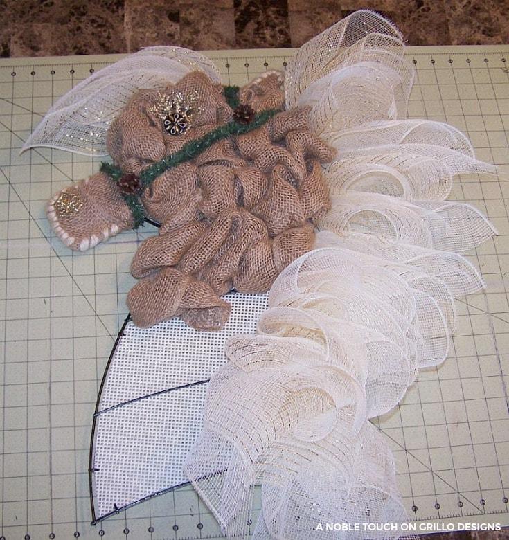 decorative horse head wreath / Grillo Designs www.grillo-designs.com
