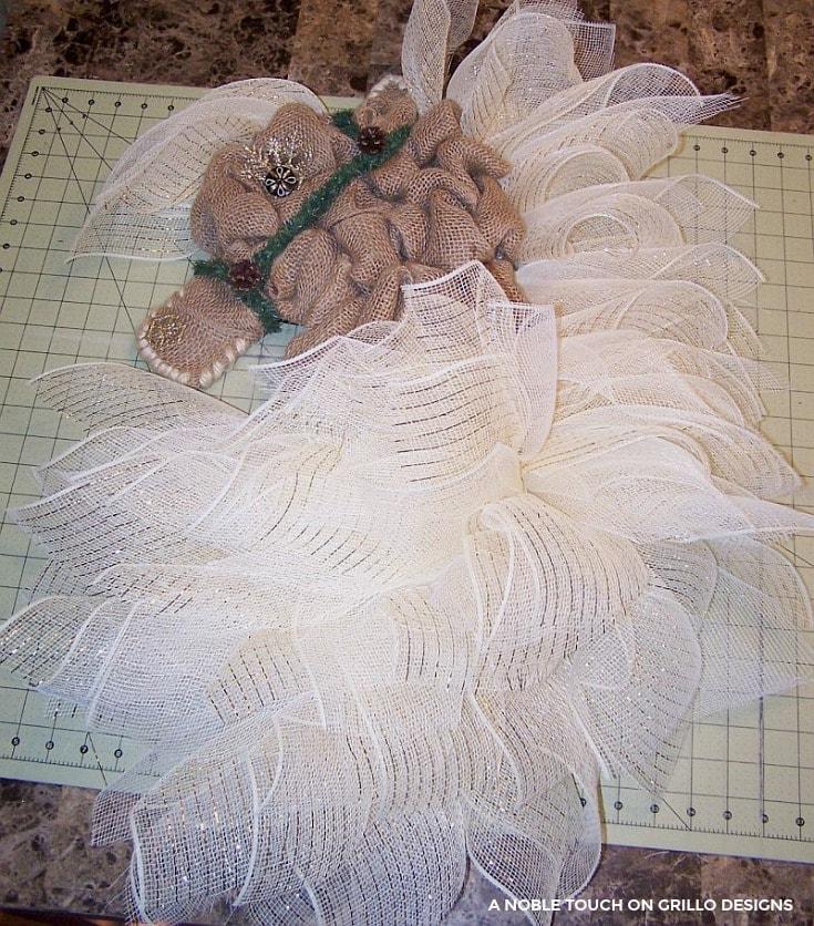 horse head wreath winter decor / Grillo Designs www.grillo-designs.com
