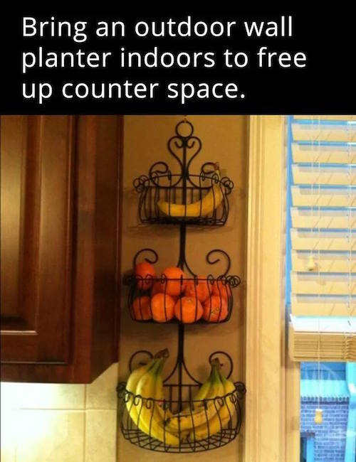 Fresh produce can be stored in recycled planters to help declutter kitchen counters via smart school house / Grillo Designs www.grillo-designs.com
