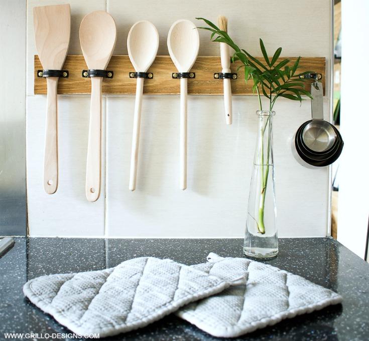 rustic wooden diy utensil rack holder/ Grillo Designs www.grillo-designs.com
