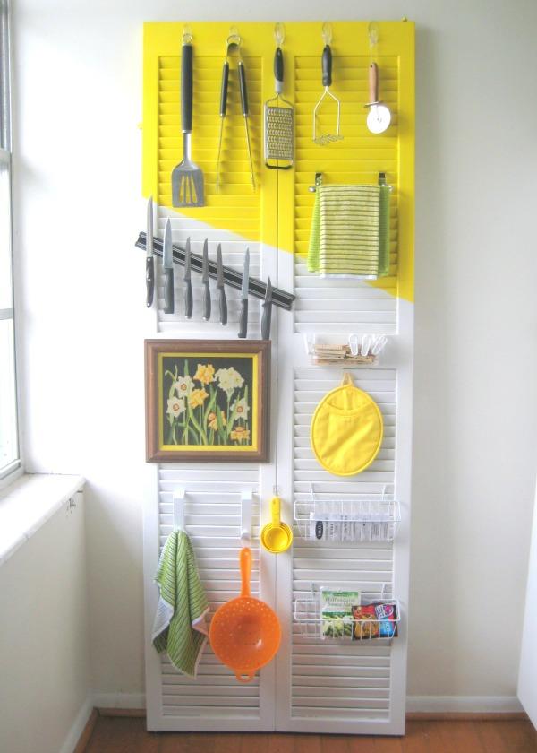 door organizer to declutter kitchen counters via c.r.a.f.t / grillo designs wwww.grillo-designs.com