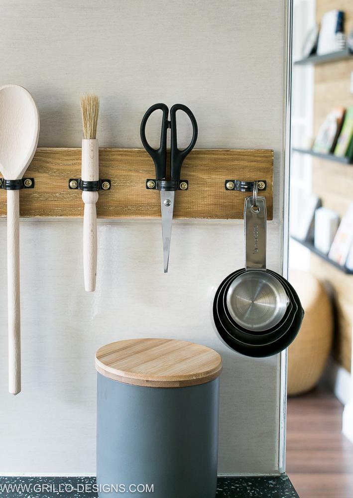 rustic diy utensil rack holder / grillo designs www.grillo-designs.com