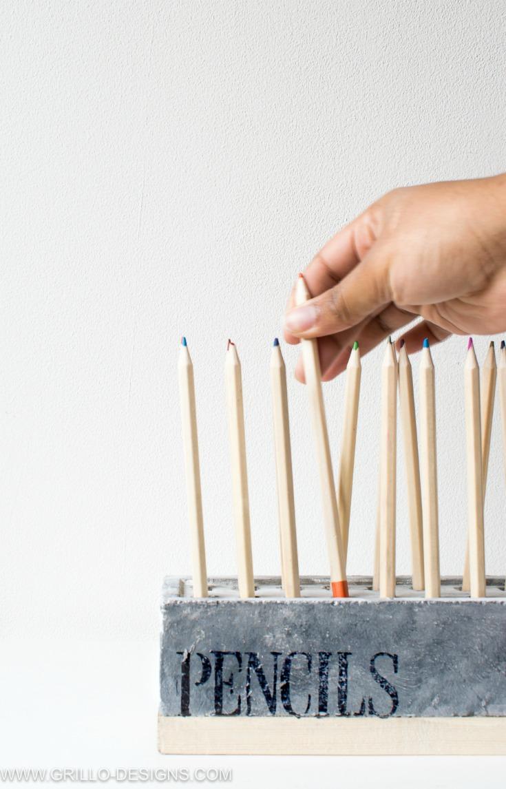 diy pencil holder to organizse your pencils / grillo designs www.grillo-designs.com