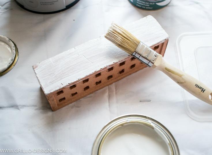 Paint brick to make a diy pencil holder / grillo designs www.grillo-designs.com
