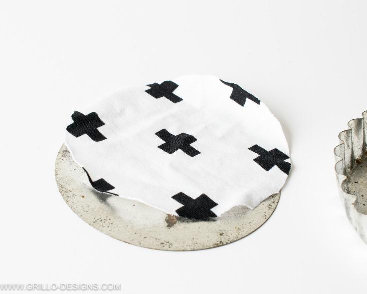 how to make coasters covered in fabric / grillo designs www.grillo-designs.com