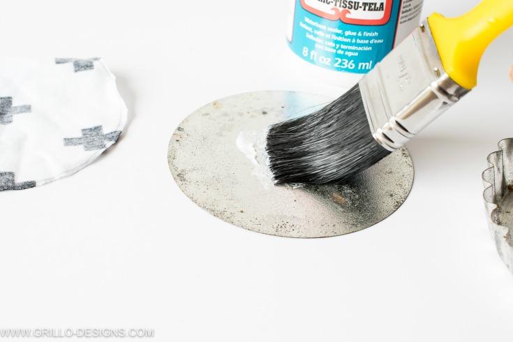 how to make coasters using modpodge glue/ grillo designs www.grillo-designs.com