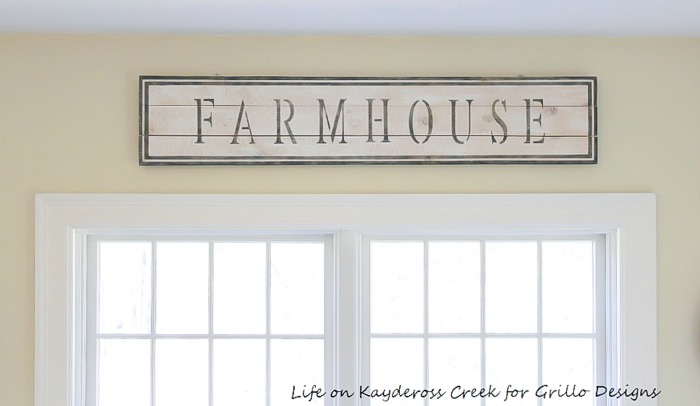 Stunning farmhouse style diy farmhouse sign for your wall / Life on kaydeross FOR GRILLO DESIGNS