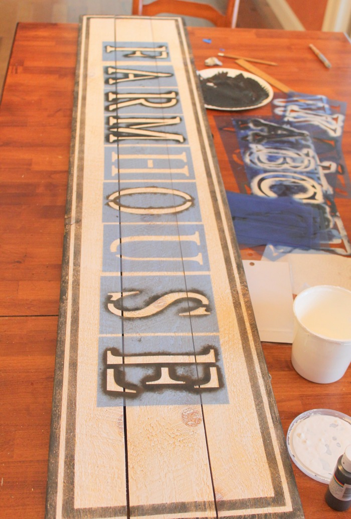 How to easily paint and stencil your own farmhouse sign / Life ON Kaydeross Creek For Grillo Designs