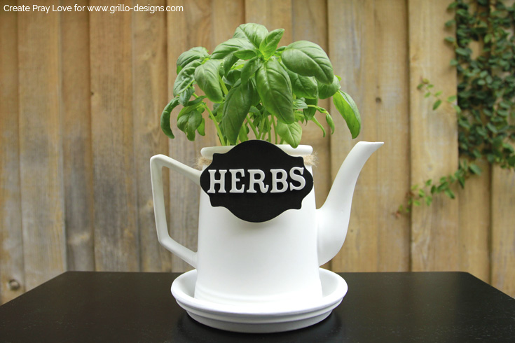 How to make a teapot planter in 5 easy steps / Create Pray Love for www.grillo-designs.com