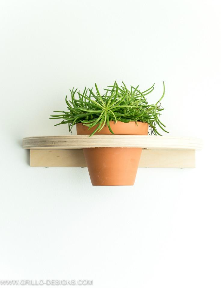 Beautiful indoor planter shelf IKEA FROSTA hack Idea / Grillo Designs www.grillo-designs.com