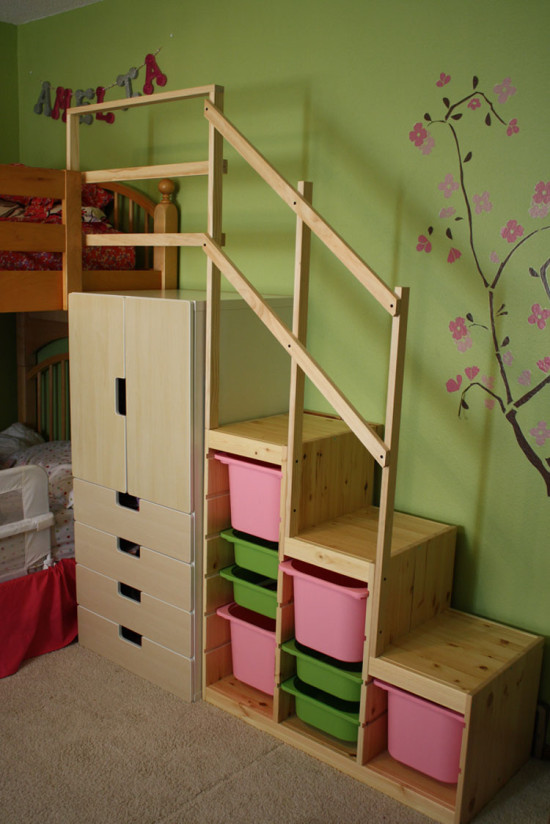 IKEA toy storage hacks - make bunk bed steps with the IKEA STUVA AND TROFAST / Grillo Designs