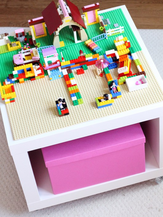 IKEA toy storage hacks - make a lego table with the LACK table / Grillo Designs