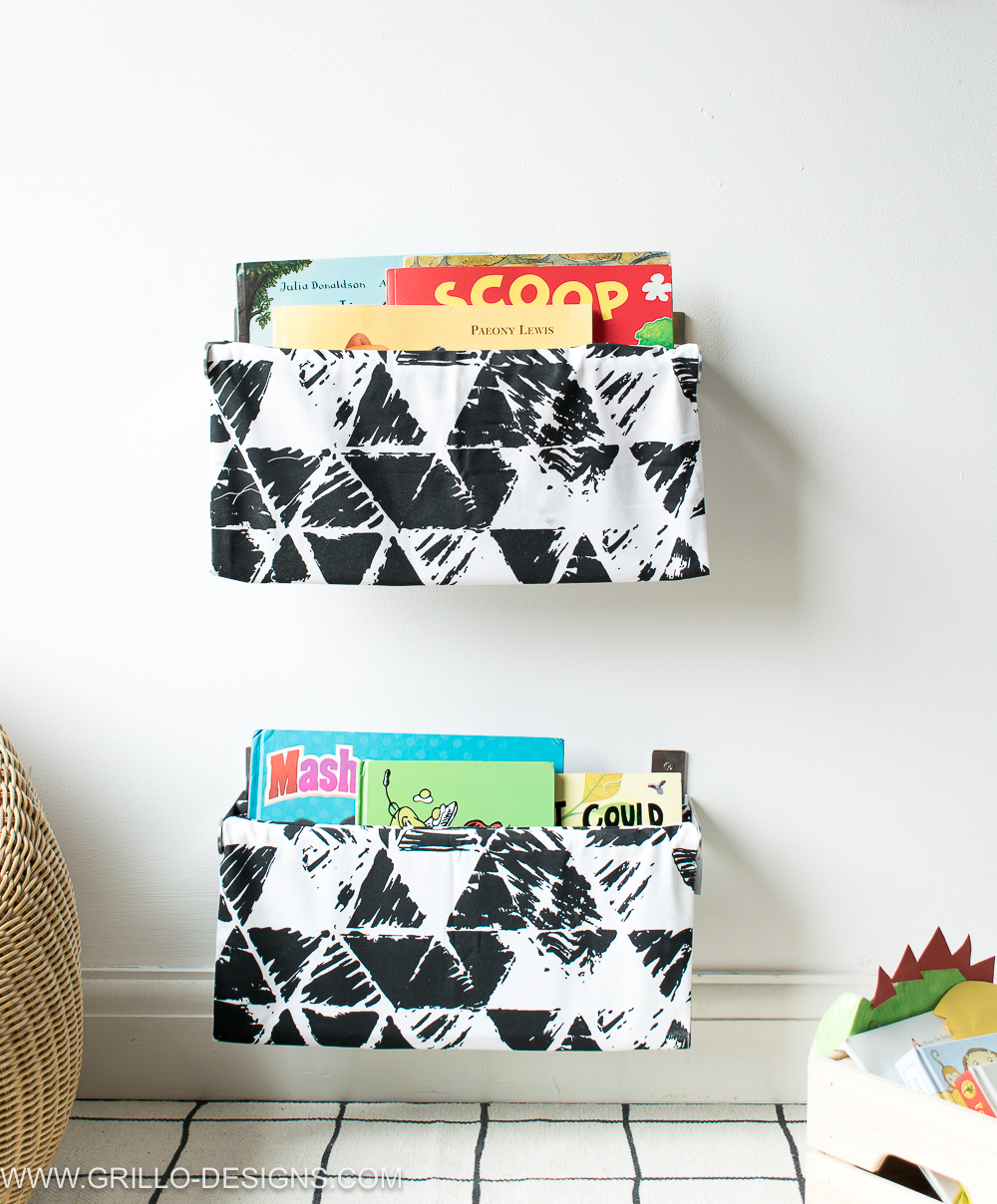 Quick tutorial on how to make a diy book sling for kids book storage / Grillo Design www.grillo-designs.com
