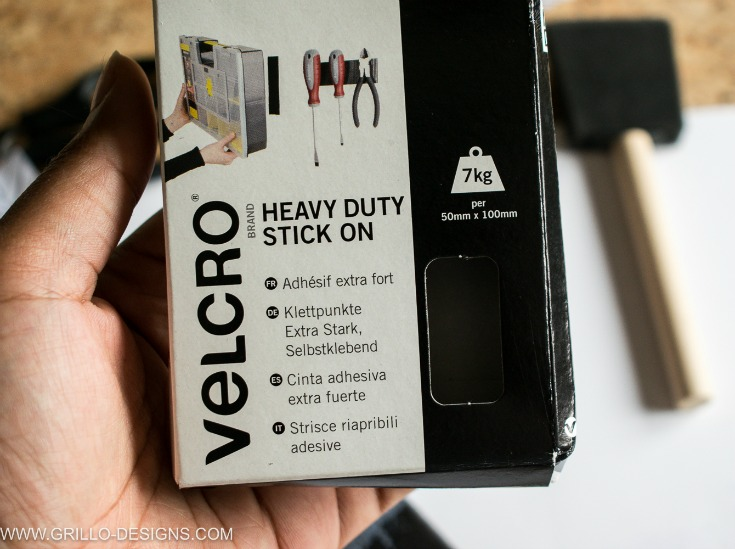 Velcro used to attach pencil holder to pallet wood / Grillo Designs www.grillo-designs.com