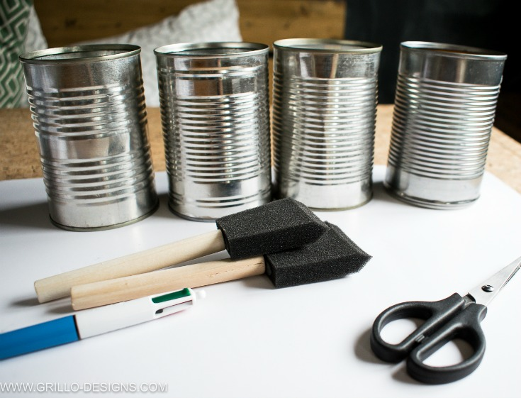Materials needed to make a pencil holder from tin cans / Grillo Designs www.grillo-designs.com