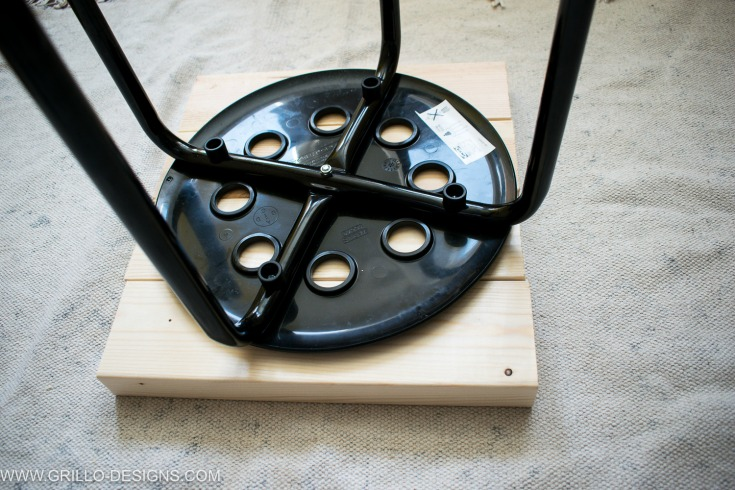 Create the wooden base for your industrial side table / Grillo designs www.grillo-designs.com