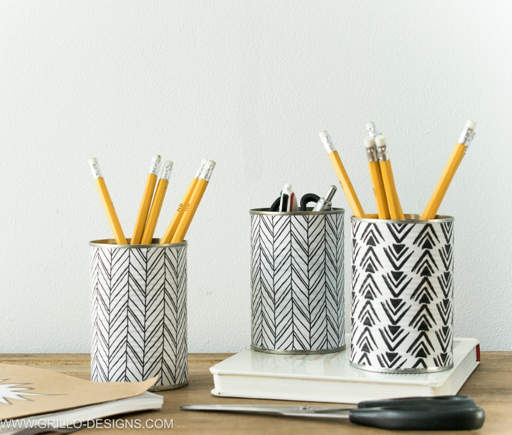 Black and white cute pencil holder from tin can/ Grillo Designs www.grillo-designs.com