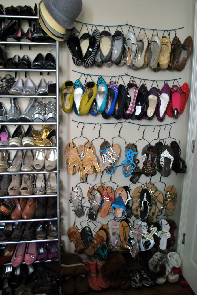 customised diy shoe storage ideas for small spaces / Grillo Designs www.grillo-designs.com