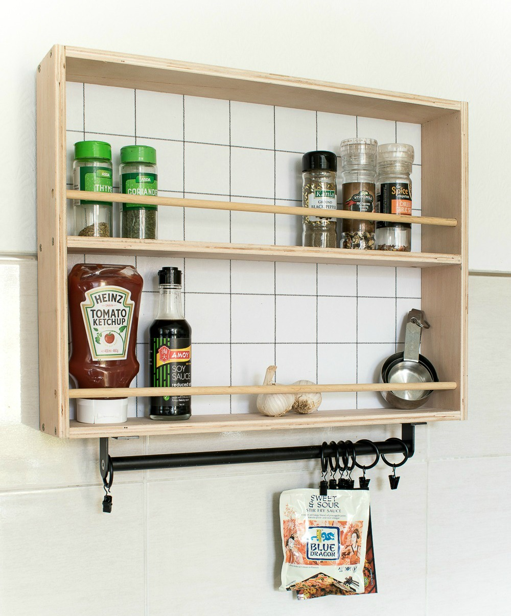 WALLPAPERED DIY HANGING SPICE RACK / GRILLO DESIGNS WWW.GRILLO-DESIGNS.COM