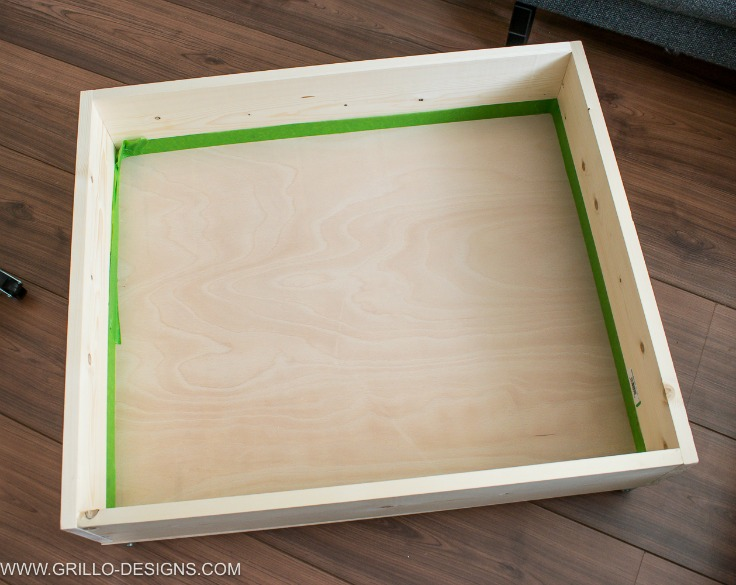 How to make an easy diy under bed storage box / Grillo Designs www.grillo-designs.com