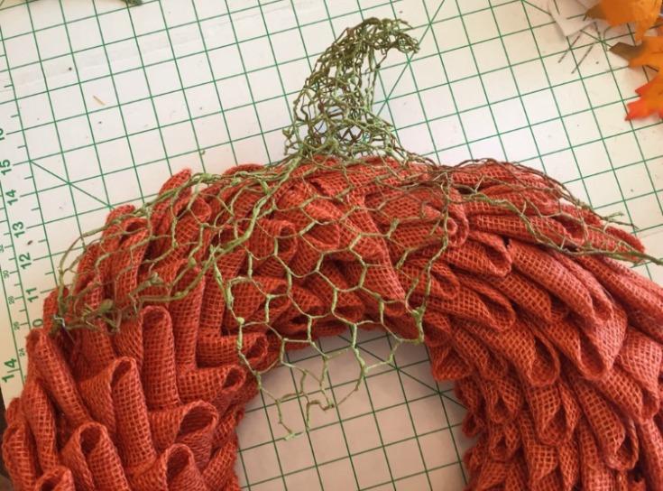Embellish your burlap pumpkin wreath with fall decors / Grillo Designs www.grillo-designs.com