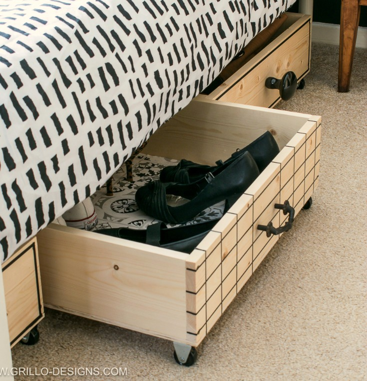 Stylish pull out diy under bed storage boxes for small bedrooms / Grillo Designs www.grillo-designs.com