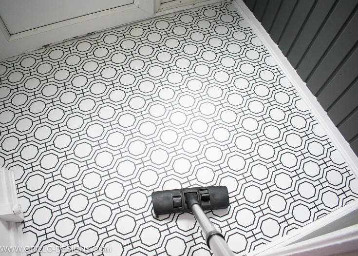 wallpaper a floor - vacuum up at dust residue / grillo designs