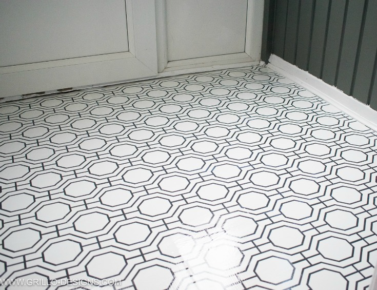how to wallpaper a floor as a renter / grillo designs