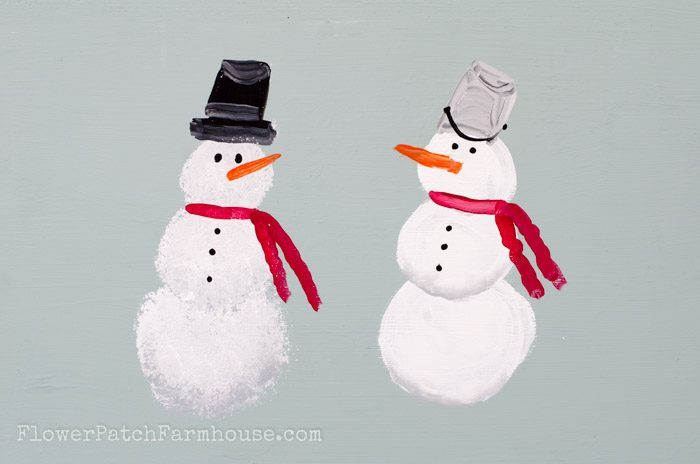 How to Paint a Snowman / DIY Snowman Decorations / Grillo Designs www.grillo-designs.com