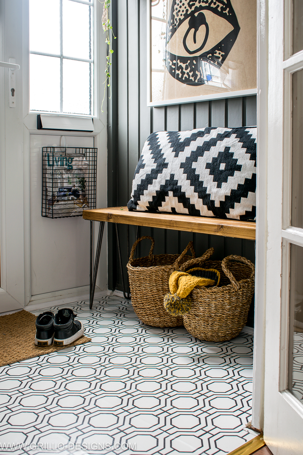 How to wallpaper a floor in a porch entrance / grillo designs