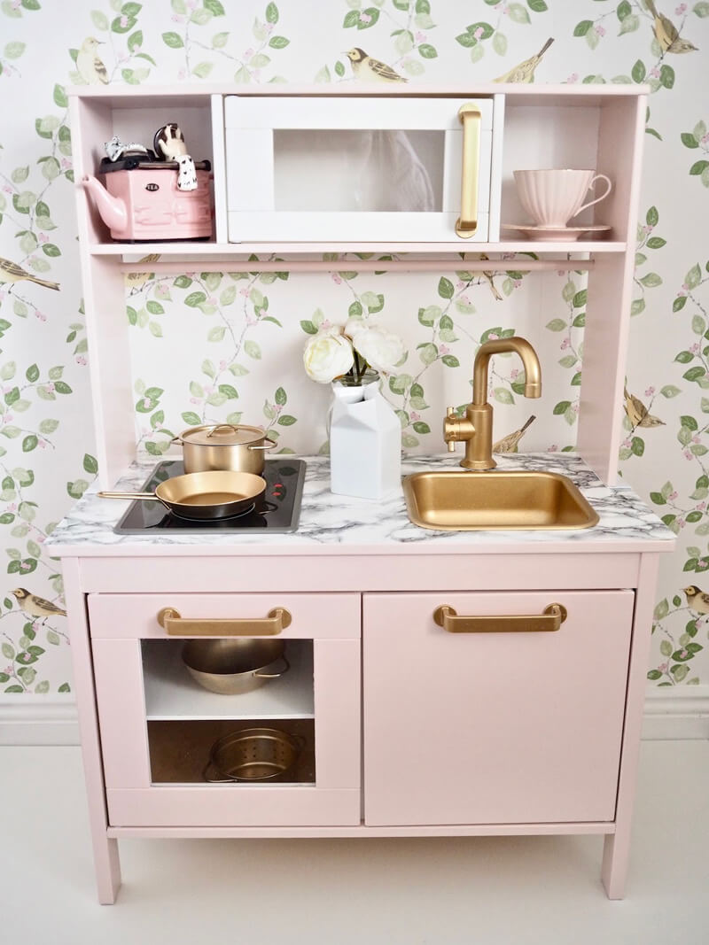 IKEA Duktig Play Kitchen Makeover IKEA Kitchen Hacks / Grillo Designs