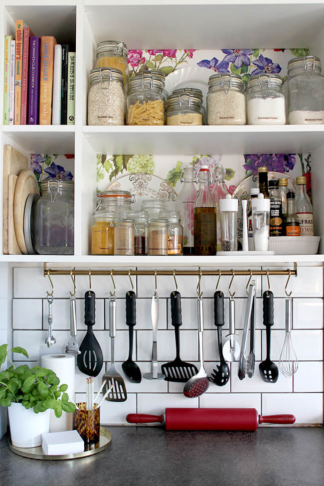 IKEA kitchen hacks using the ikea grundtal rail / Grillo Designs